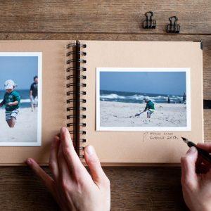 Album wyklejony zdjęciami
