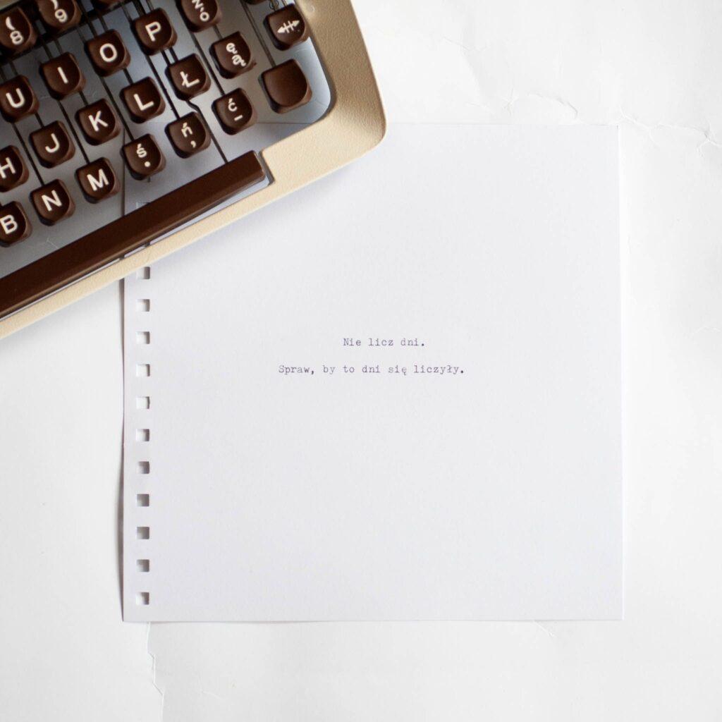dedykacja w białym albumie
